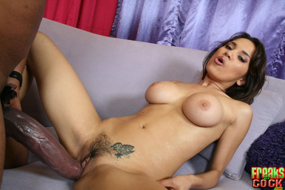Black Extrageous Booty Have Her Wide Vagina Deeped With Two Dicks Free Xxx Galeries